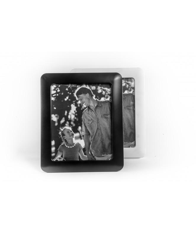Portaretratos para fotos de 20x25cm - bco y neg - PLASTICO